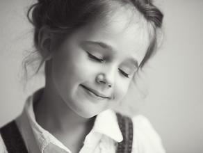 """培养女孩:要把""""女人天生是弱者""""的思想连根拔除"""