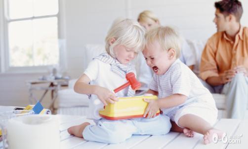 """儿童心理:""""当孩子被嫉妒的负面情绪困扰,家长该怎么办?"""