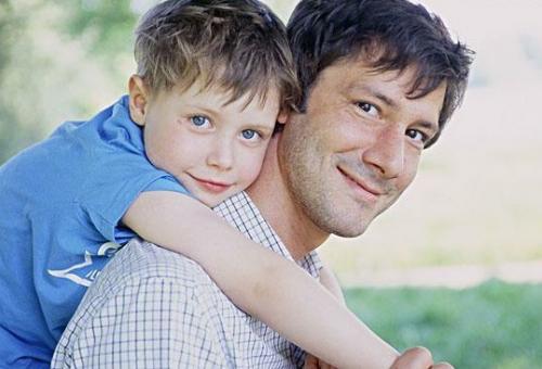 家庭教育:假装糊涂有时更利于孩子改正错误