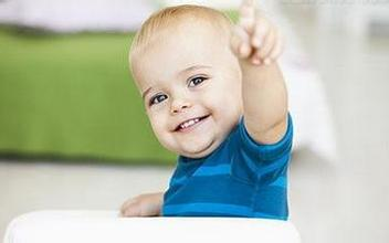自信心培养:借第三者的话,强化孩子的信心