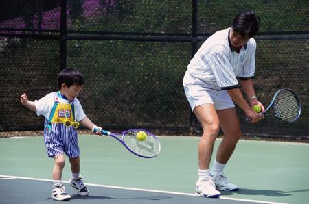 儿童成长:每天固定时间和孩子一起运动