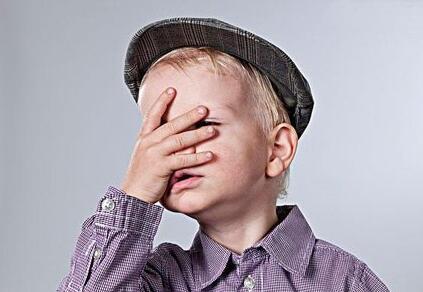 如何对待孩子的烦恼:小孩子的烦恼是可以一笑而过的小事吗?