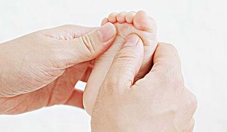幼儿养护资源下载:小儿日常感冒发烧腹泻系列按摩视频