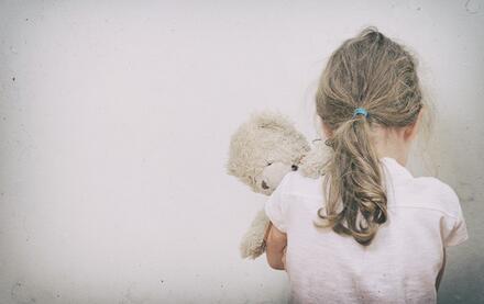 如何培养孩子社交能力:孩子不合群,只喜欢一个人玩,该怎么办?