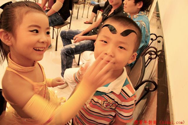 家长要正确看待和引导淘气的孩子,健康成长