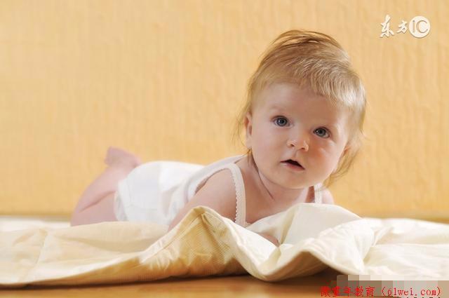 宝贝睡觉光出汗,老摇头,这是因为缺钙吗?我告诉你怎么办