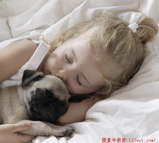 要睡懒觉还是按时去幼儿园?孩子这么一说,竟然点醒了妈妈!