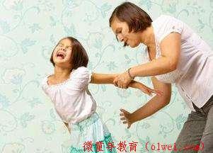 经常被妈妈打的孩子长大了,如今她的说法值得很多父母反思