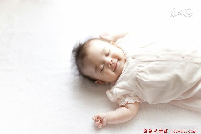 家长最爱的哄娃睡觉方式,伤害宝宝智力却没人知道