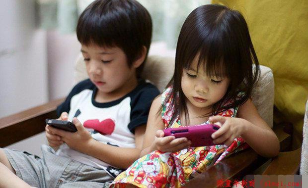 为什么不要阻止孩子玩手机?这是我看过最走心的回答