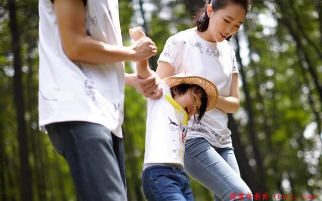 孩子长大过程,妈妈一定要抽空陪伴的四个时间段